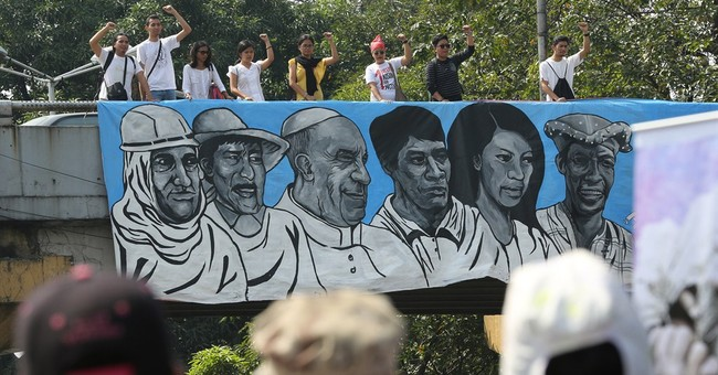 POPE WATCH: In Philippines, hoping for a wave from Francis